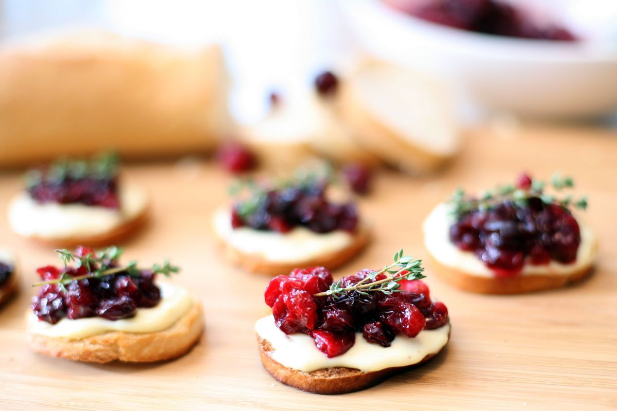 Roasted Cranberry and Brie Crostini